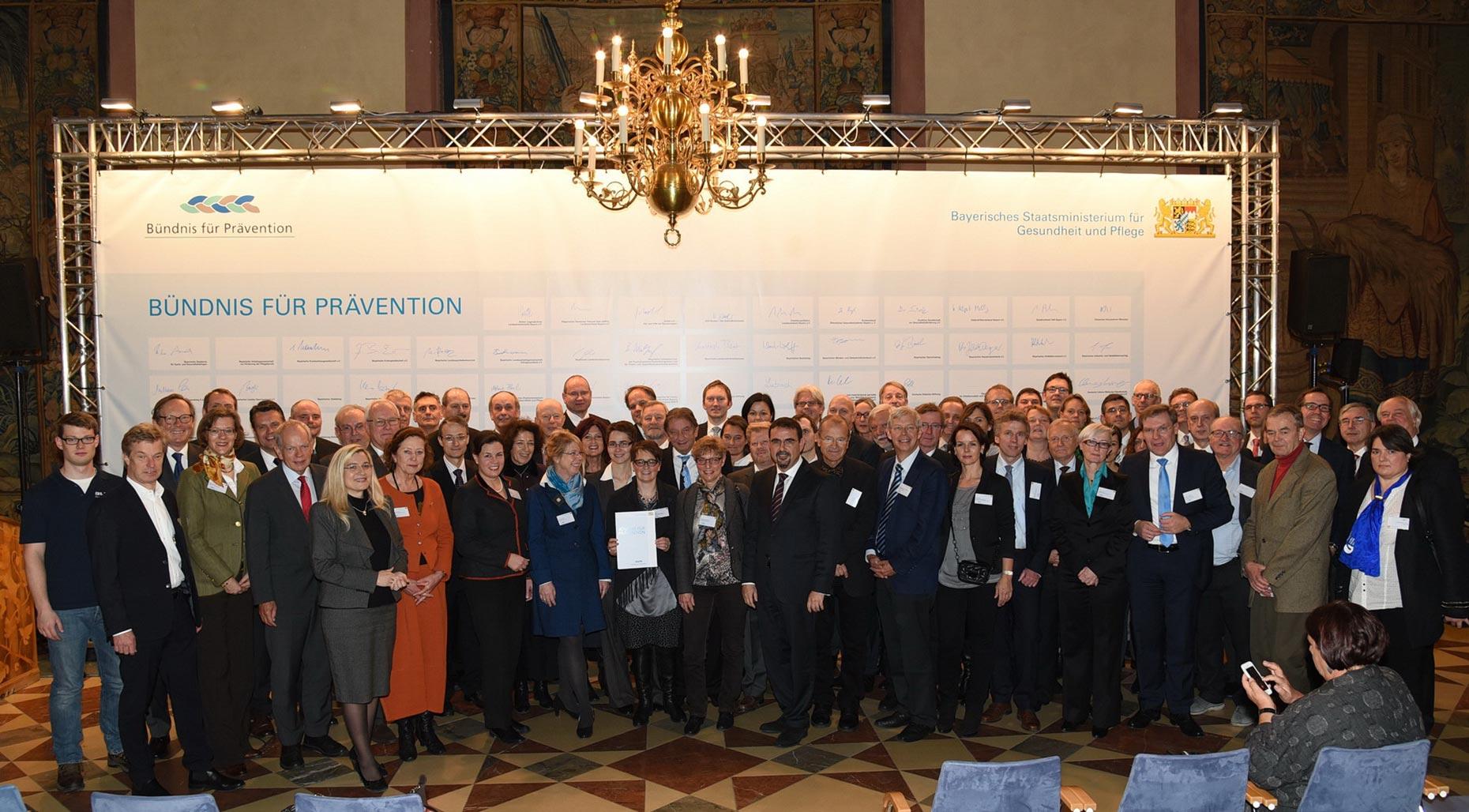 Bündnis für Prävention Unterzeichnung am 25. November 2015 in der Residenz München