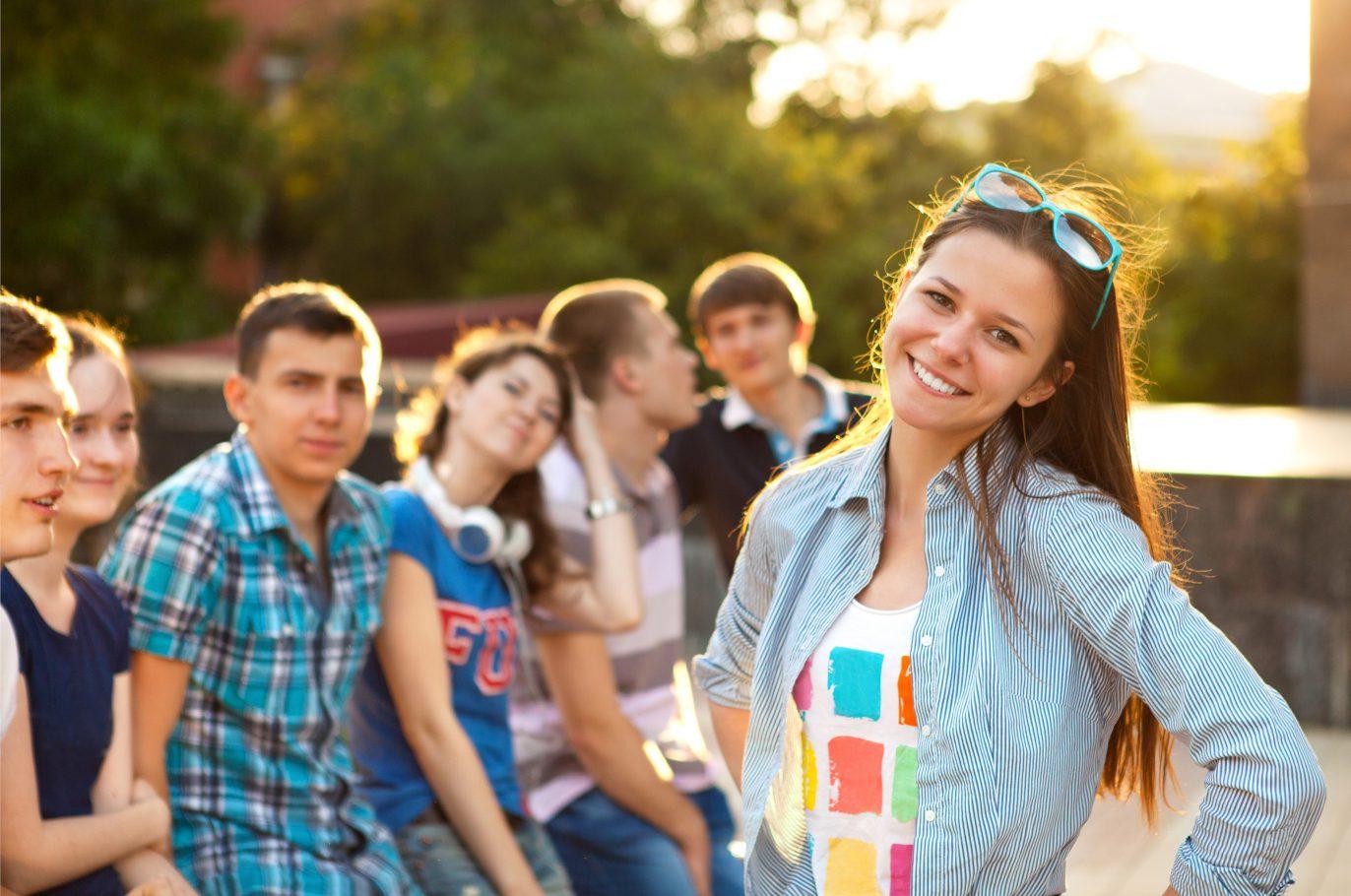 Jugendliche haben Spaß ohne Alkohol