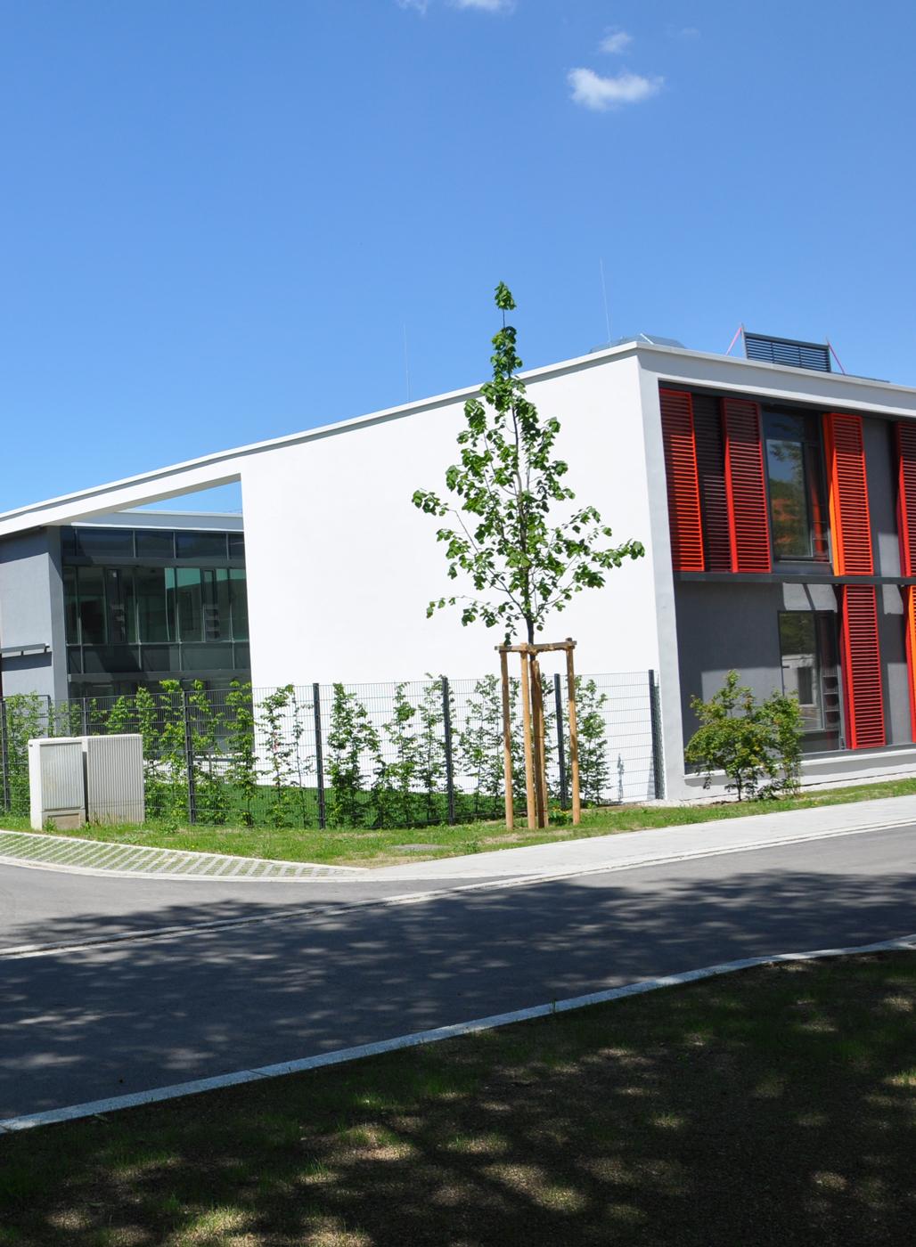 Außenansicht kbo-Isar-Amper-Klinikum München-Ost.