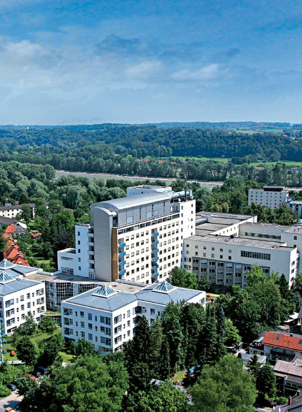 Luftbild Klinikum Rosenheim.