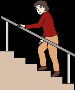 Frau steigt Treppe hoch und ist erschöpft