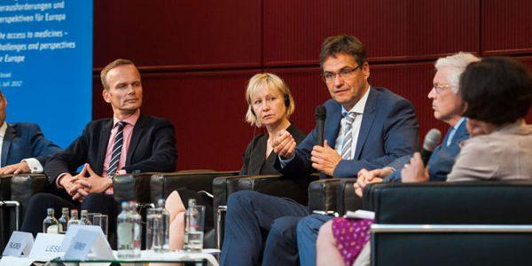 Diskussionsrunde über die Forschung, Entwicklung und Produktion von Arzneimitteln in Europa zu erhalten und auszubauen.