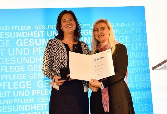 Henriette Gräfin zu Castell-Rüdenhausen aus Nittendorf