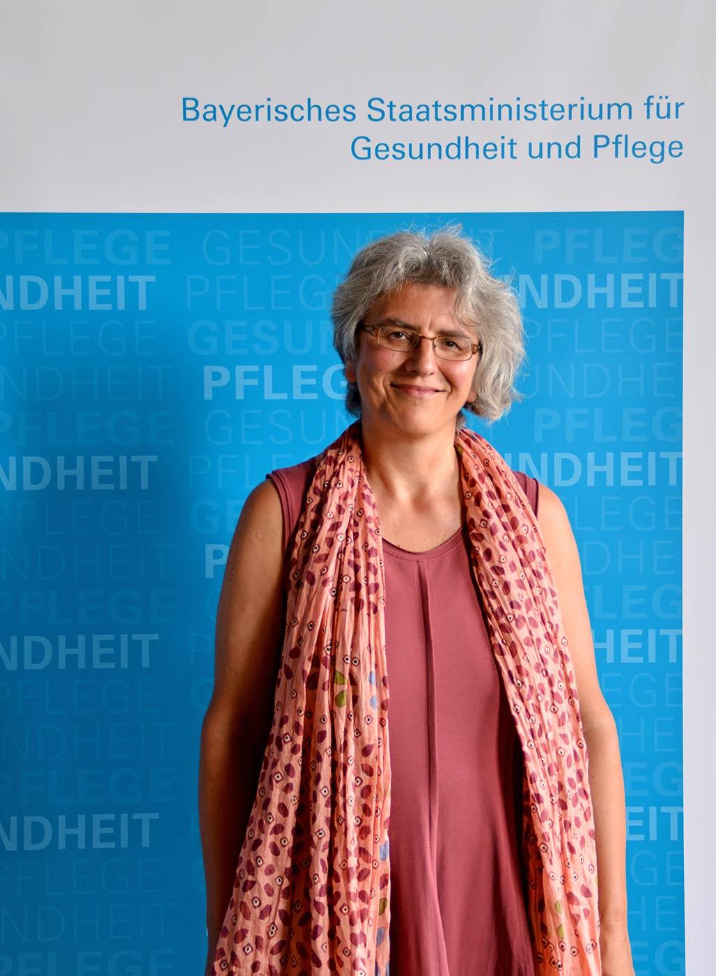 Carola Mägdefrau, Mitglied der Bayerischen Ethikkommission für Präimplantationsdiagnostik