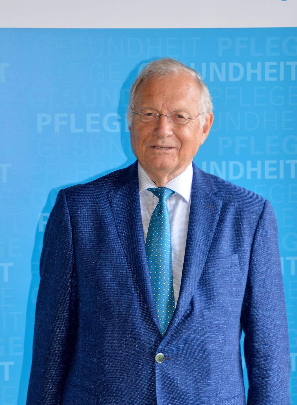 Dr. Josef Pettinger, Mitglied der Bayerischen Ethikkommission für Präimplantationsdiagnostik