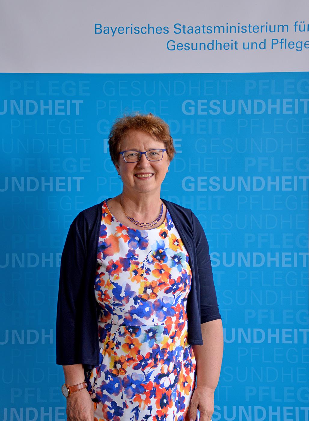 Prof. Orsolya Genzel-Boroviczény, Mitglied der Bayerischen Ethikkommission für Präimplantationsdiagnostik