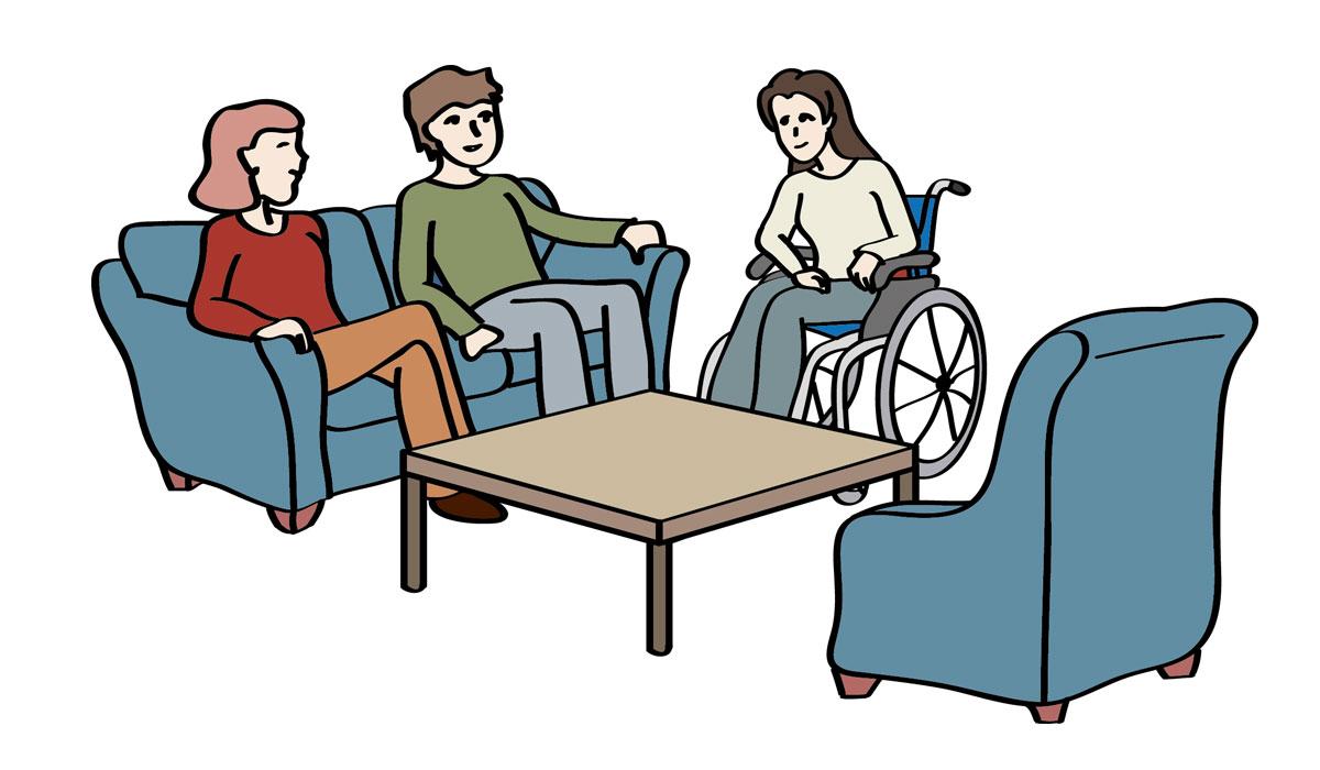 Wohngruppe: Drei Menschen sitzen im Wohnzimmer zusammen.