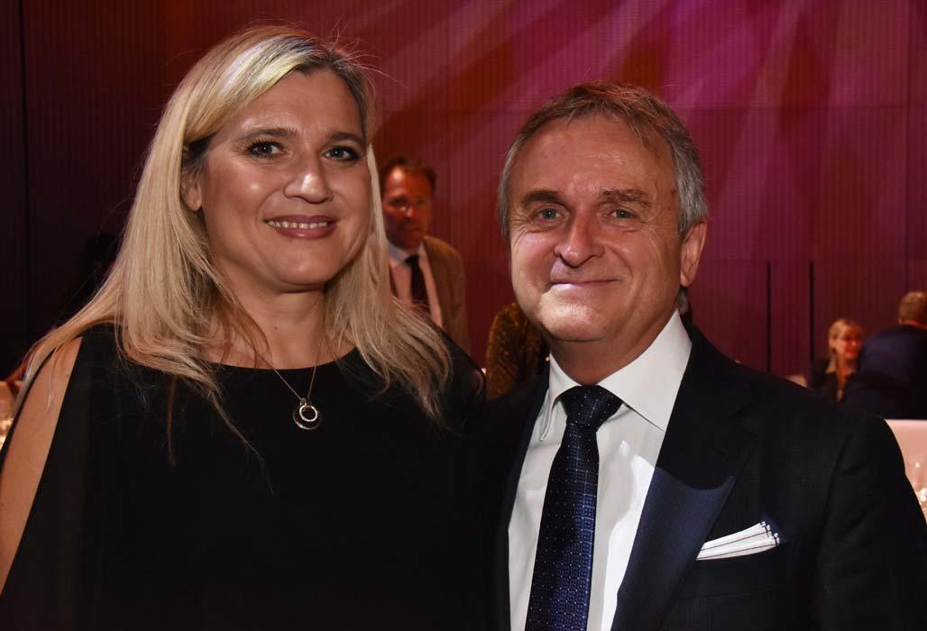 Staatsministerin Melanie Huml und der Vorsitzende der Jury Dr. Gerald Quitterer
