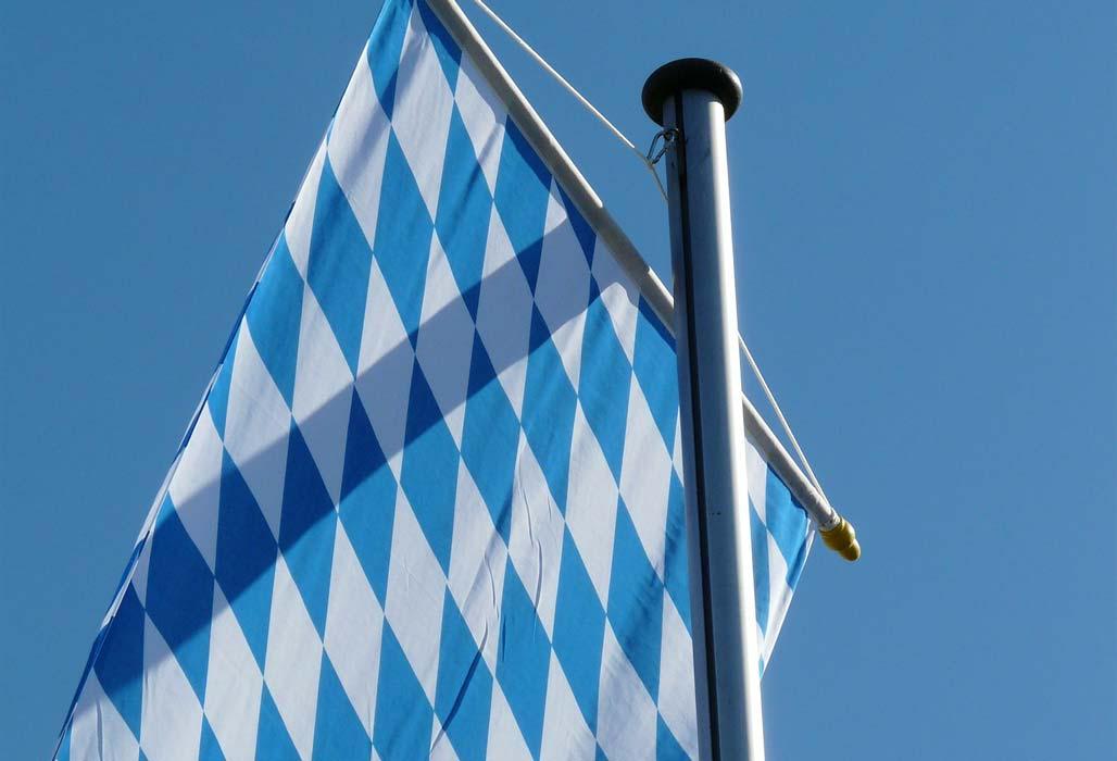 Bayern Flagge weiß-blaue Rauten