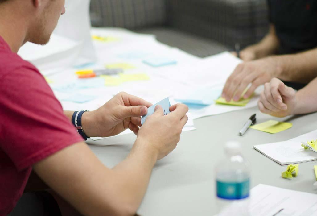 Generalistische Pflegeausbildung - Planung am Tisch