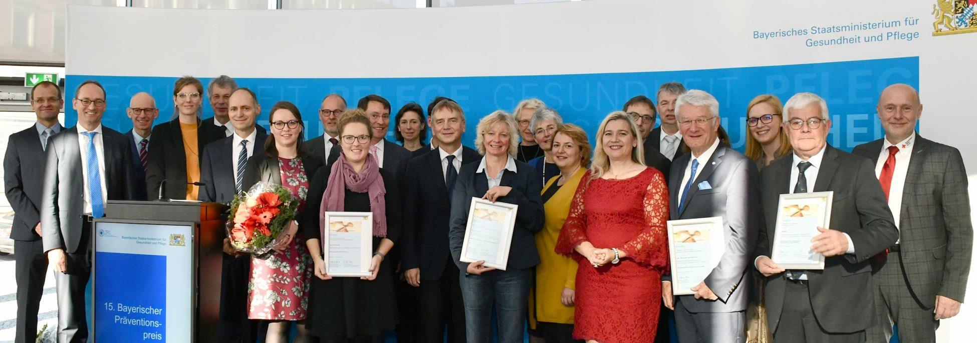 Die Preisträgerinnen und Preisträger des Bayerischen Präventionspreises 2019