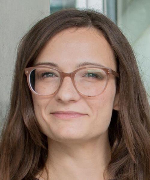 """Bettina Dobe, eine der Referentinnen der virtuellen Jahrestagung zur Hospiz- und Palliativversorgung """"In Würde – vernetzt – sichtbar"""" am 28. April 2021"""